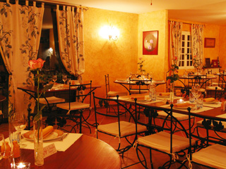 Fayence La Table D Yves Sequoia Editions